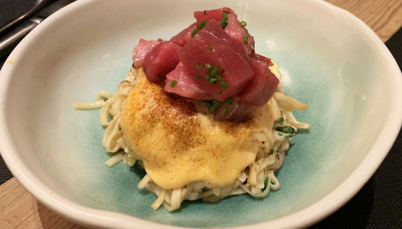 noodles con atún en el restaurante Toga